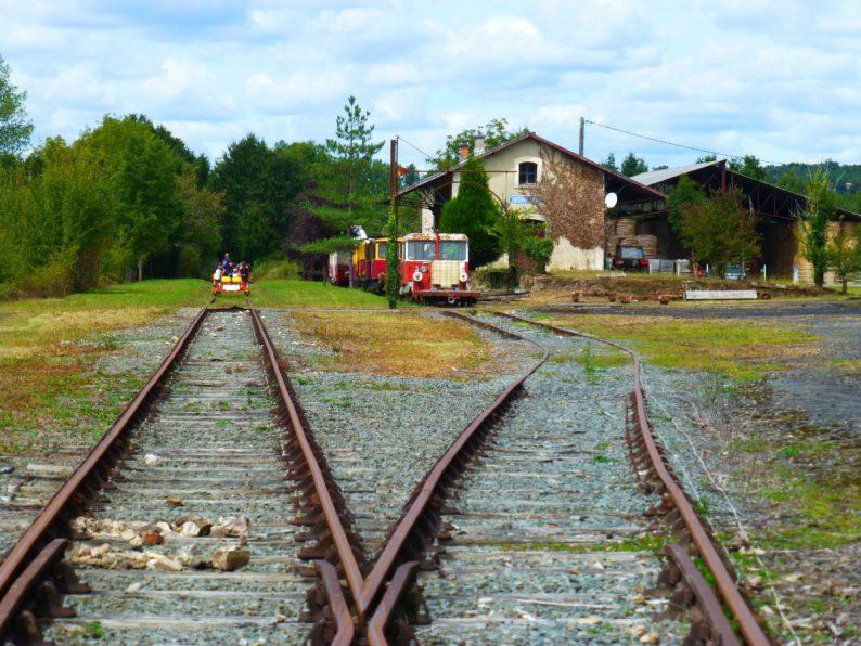 Velo rail à Corgnac sur l'Isle