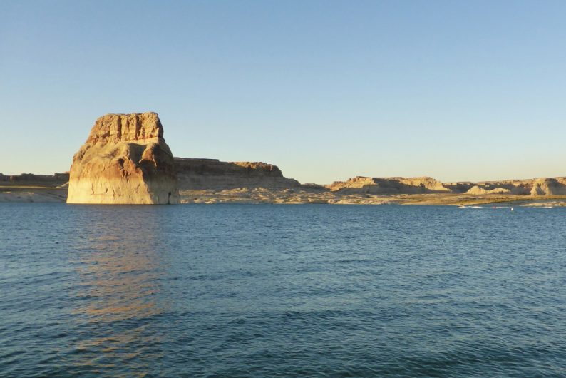 Lone Rock, Lac Powell, Arizona