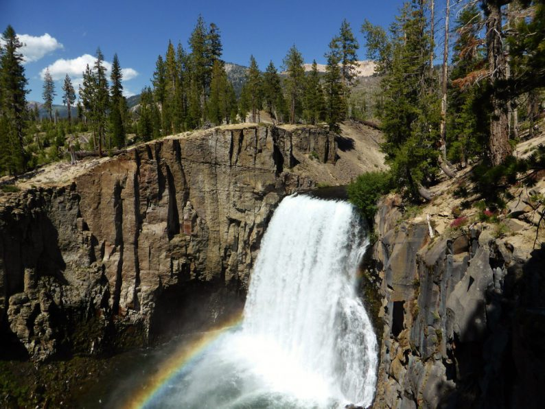 Rainbow Falls Mammoth Lakes