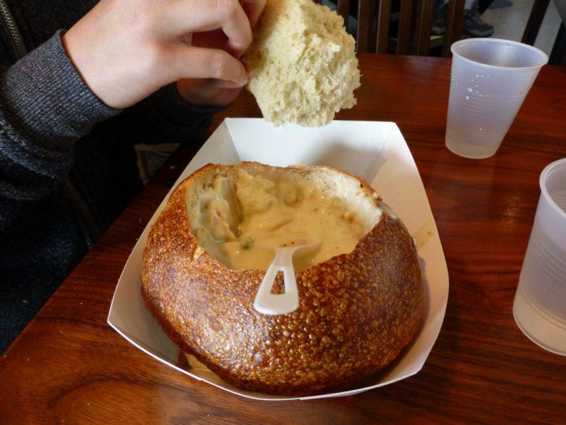 clam chowder de chez Boudin, San Francisco
