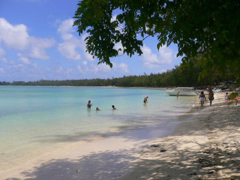 plage de Mont-Choisy l'île Maurice