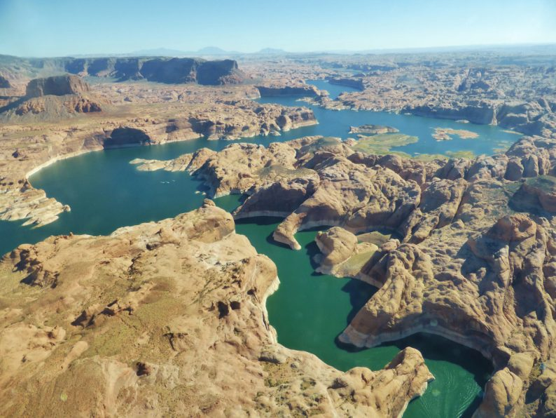 survol Lac Powell, Arizona et Utah