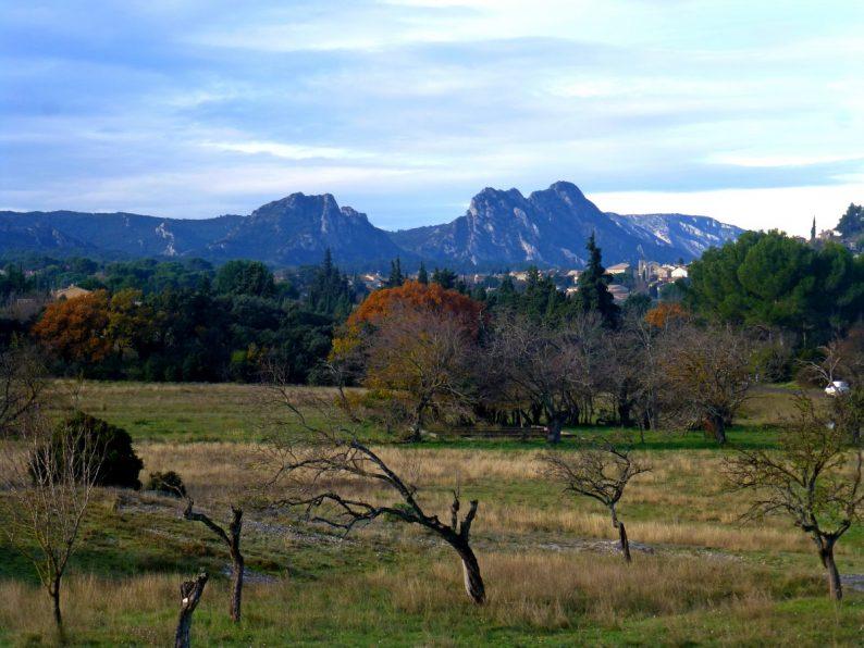 vue sur les Alpilles depuis la chapelle Saint-Sixte, Eygalières