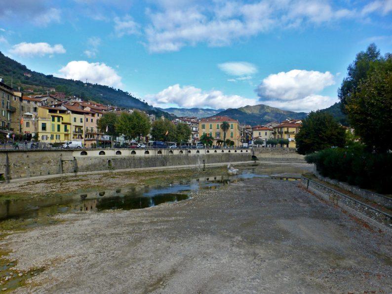 Le village de Dolceacqua en Italie