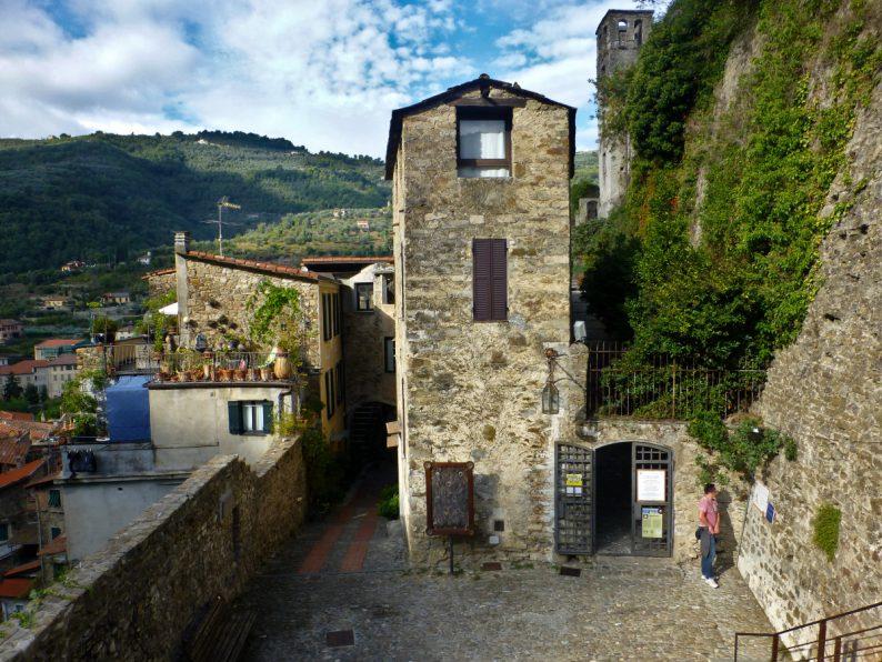 Entrée du château de Dolceacqua, Italie