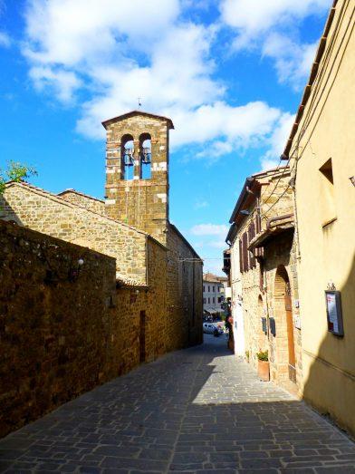 Le village de Montalcino, Toscane